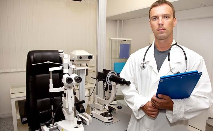pèrito oftalmólogo