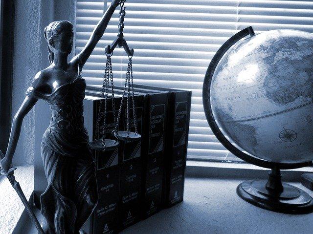 Asociación de peritos judiciales. ¿Oficiales?